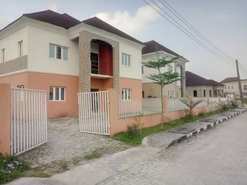Newly built 4 bedroom detached duplex for sale