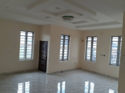 5 bedroom duplex with exquisite finishing for sale @ Thomas Estate, Ajah, Lekki